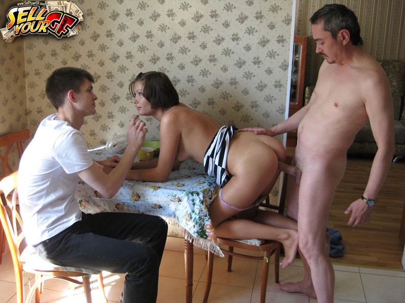 ожидал, девушка уговорила мужа дать его другу учетом этого развивается